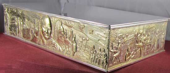 Silver and gilt sculptured cigar box from the London silversmith Stuart Devlin